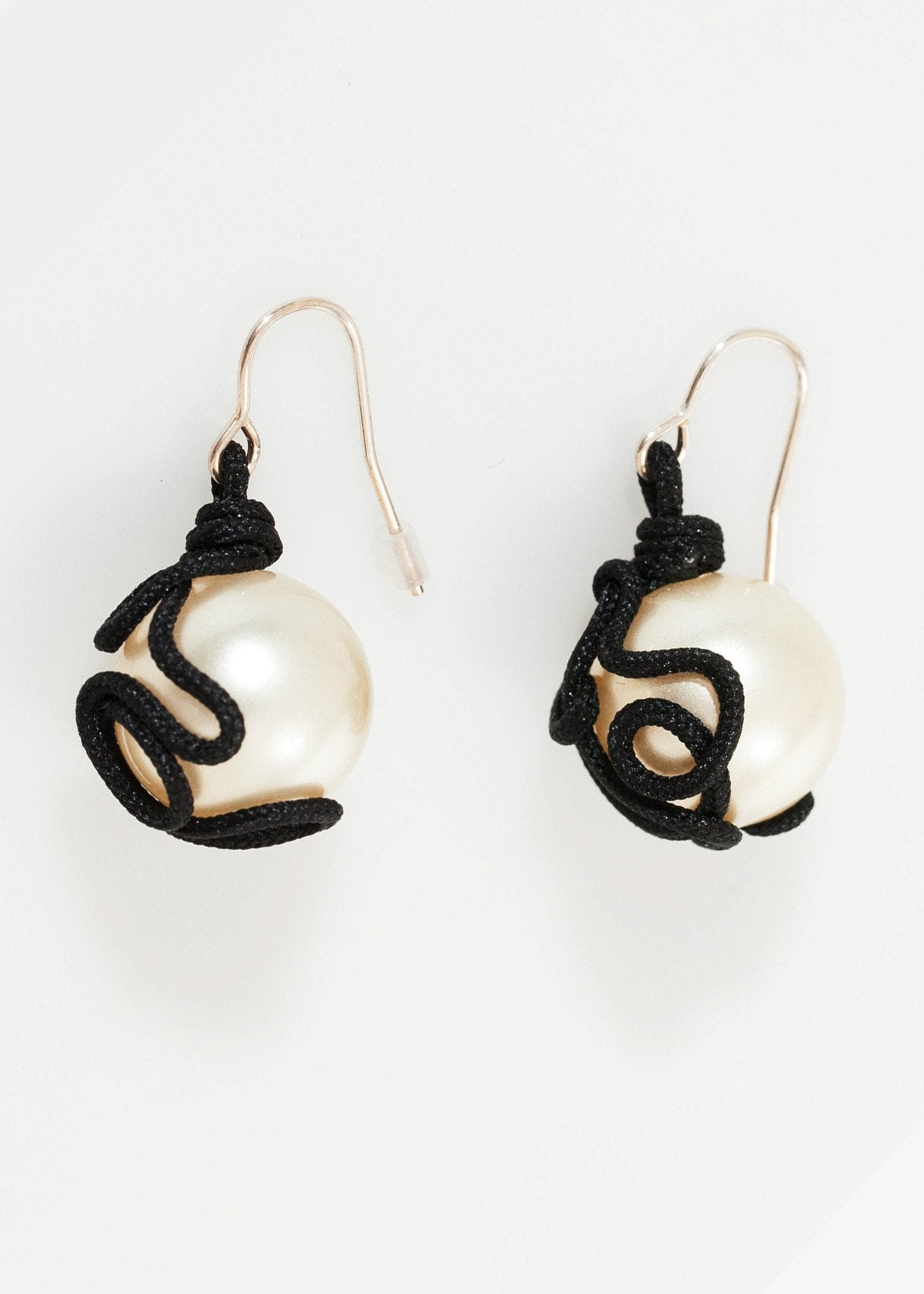 Float Bead Earring in Pearl