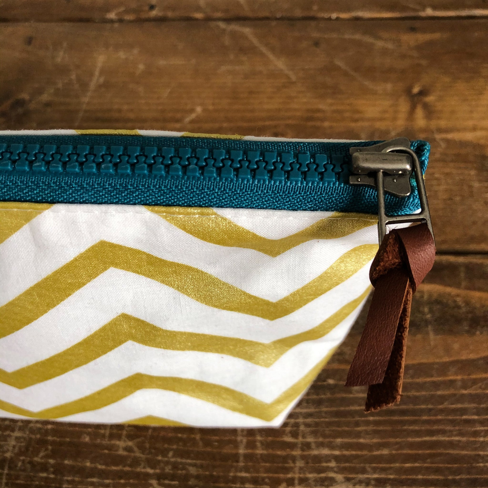 Sonder Bag/Pouch - Gold Chevron