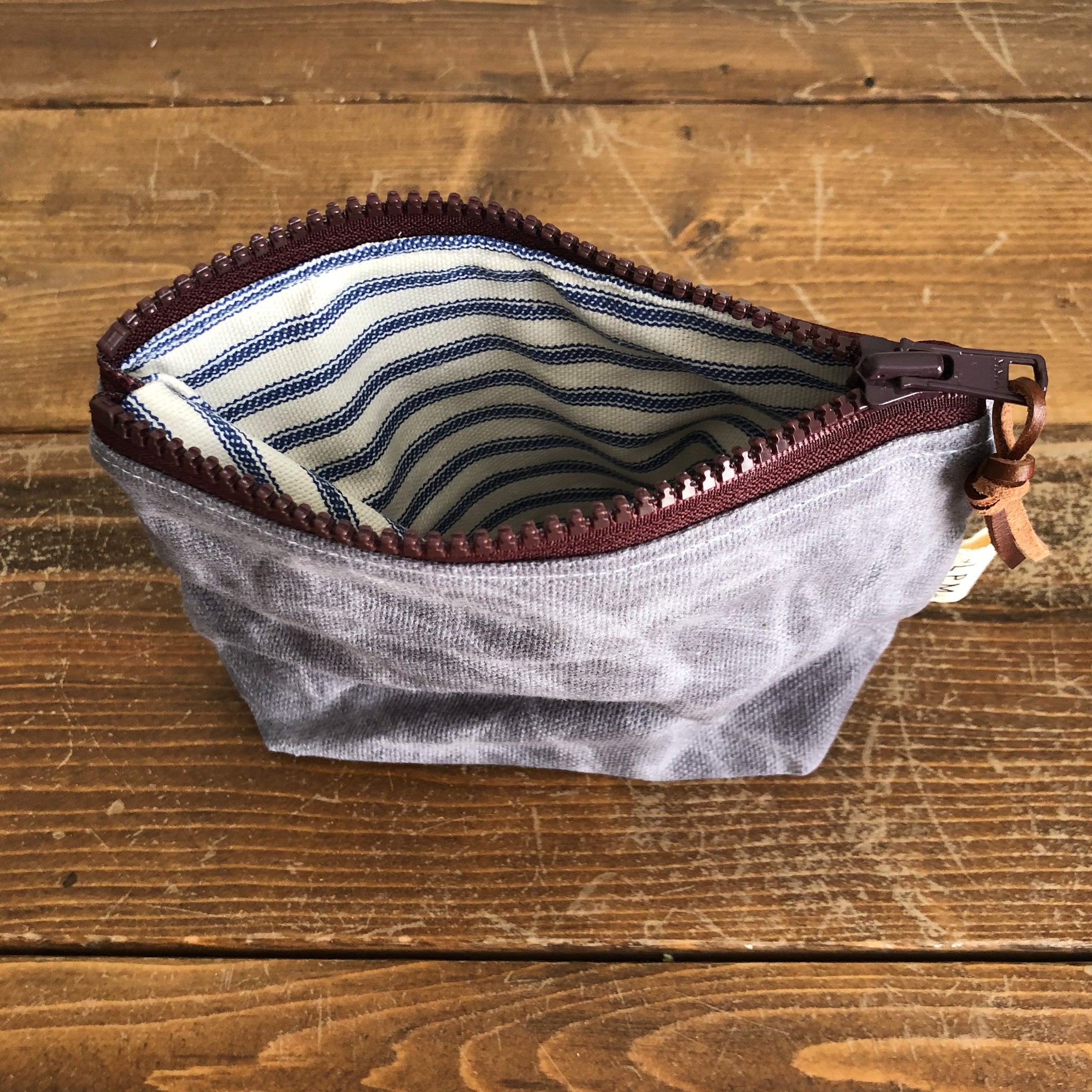 Essential Zipper Pouch - Waxed Canvas Grey