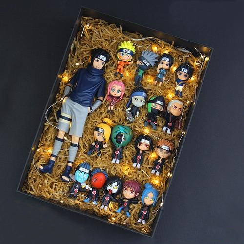 Narutobox : Figurine Sasuke + 17 figurines