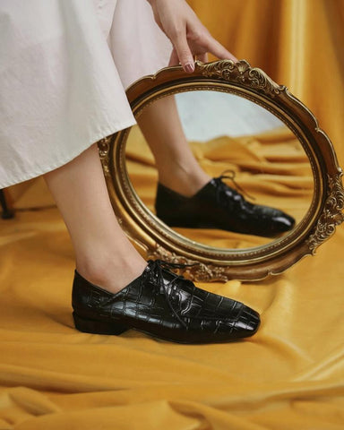 Square-toe Lace-up Solid Color Loafers