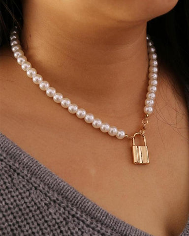 Bohemian Wild Pearl Lock Necklace