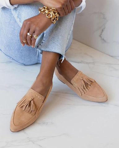 Pointed-toe Solid Color Tassel Loafers