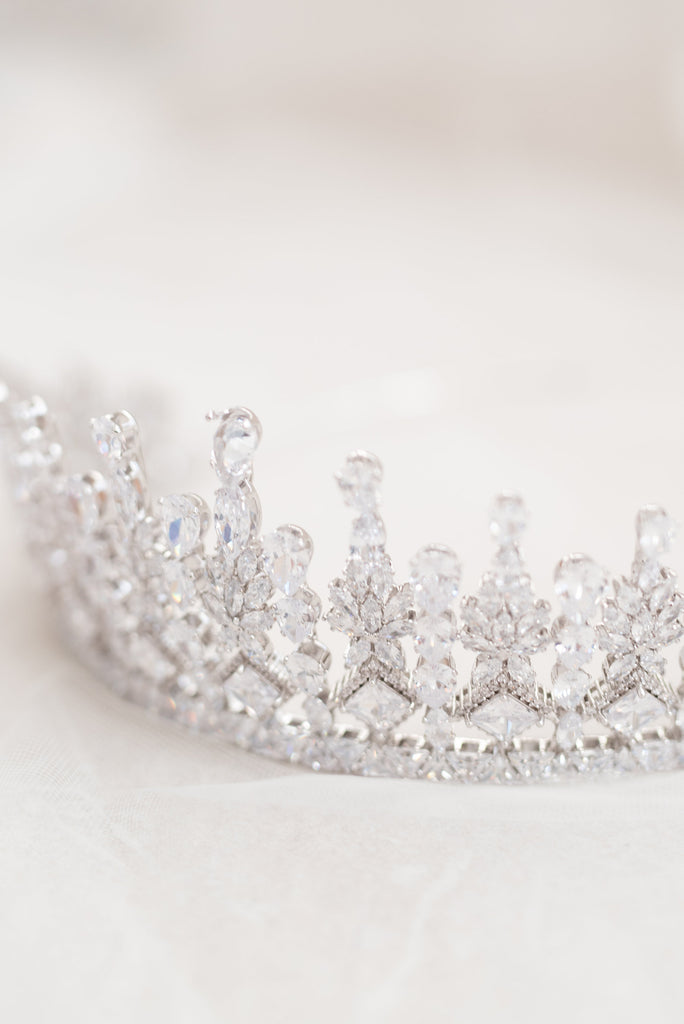 CATHERINE // Bridal crown