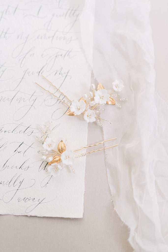 LEILANI // Gold floral and leaf hair pins
