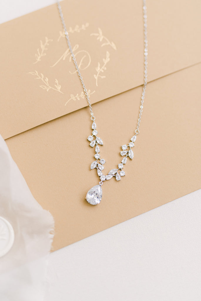 MINA // Silver crystal floral necklace
