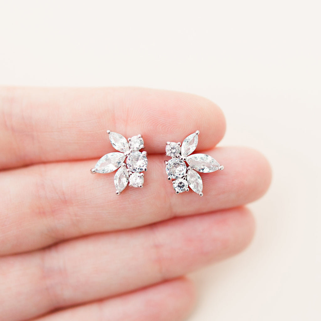 JOSIE // Silver cluster stud earrings