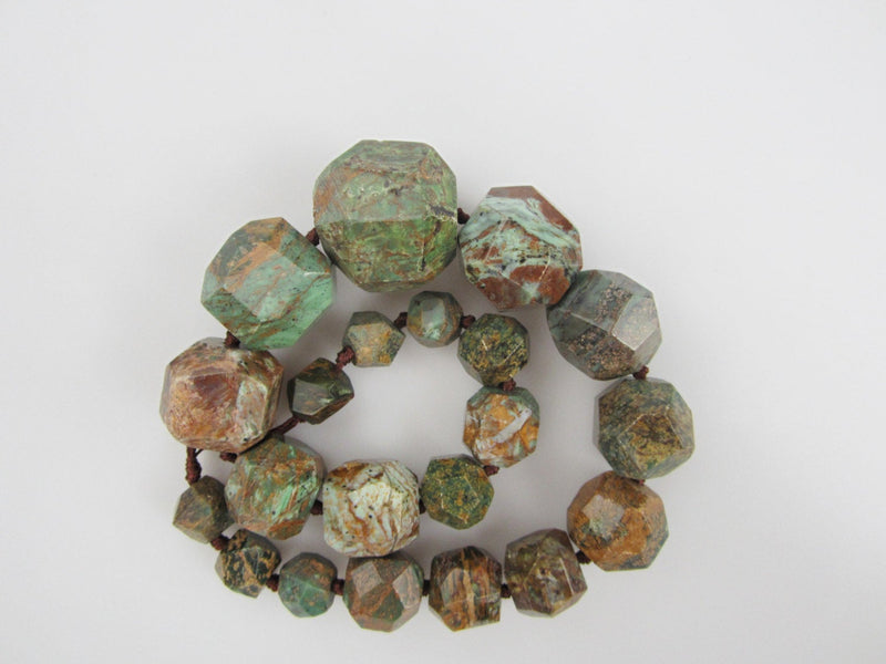 green jasper graduated faceted nugget chunk beads