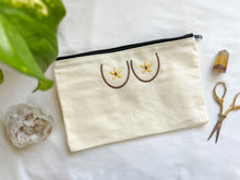 Load image into Gallery viewer, flower boobies zipper pouch (beige)