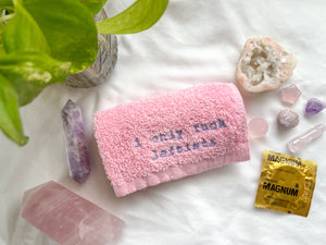 i only fuck leftists washcloth (light pink)