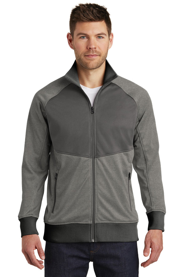 The North Face  Tech Full-Zip Fleece Jacket. NF0A3SEW