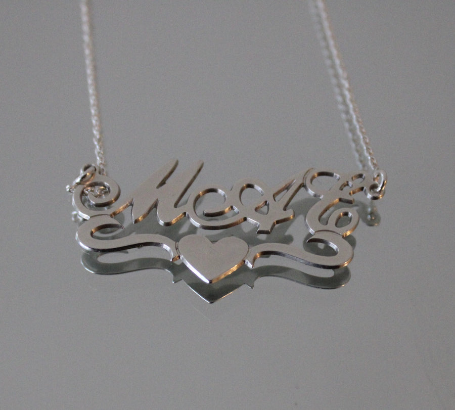 Silver Name Necklace - Middle Heart