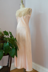 1940's Peaches and Lace Nightgown