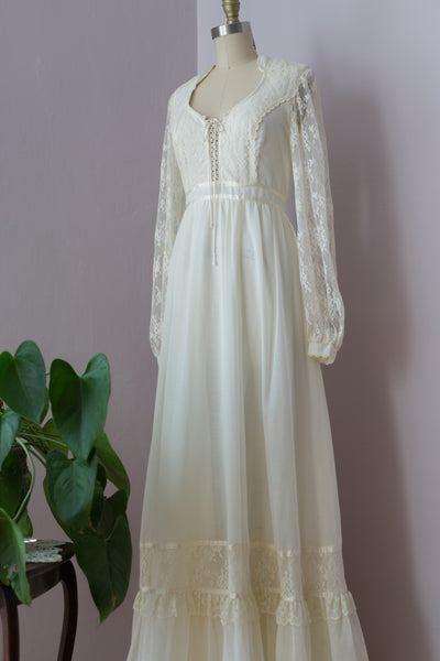 1970's Ivory and Lace  Gunne Sax Dress