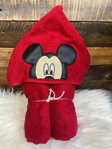 Mickey red hooded towel