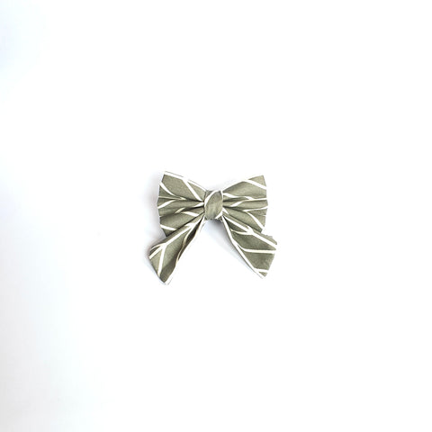 Grayscale Sailor Bows