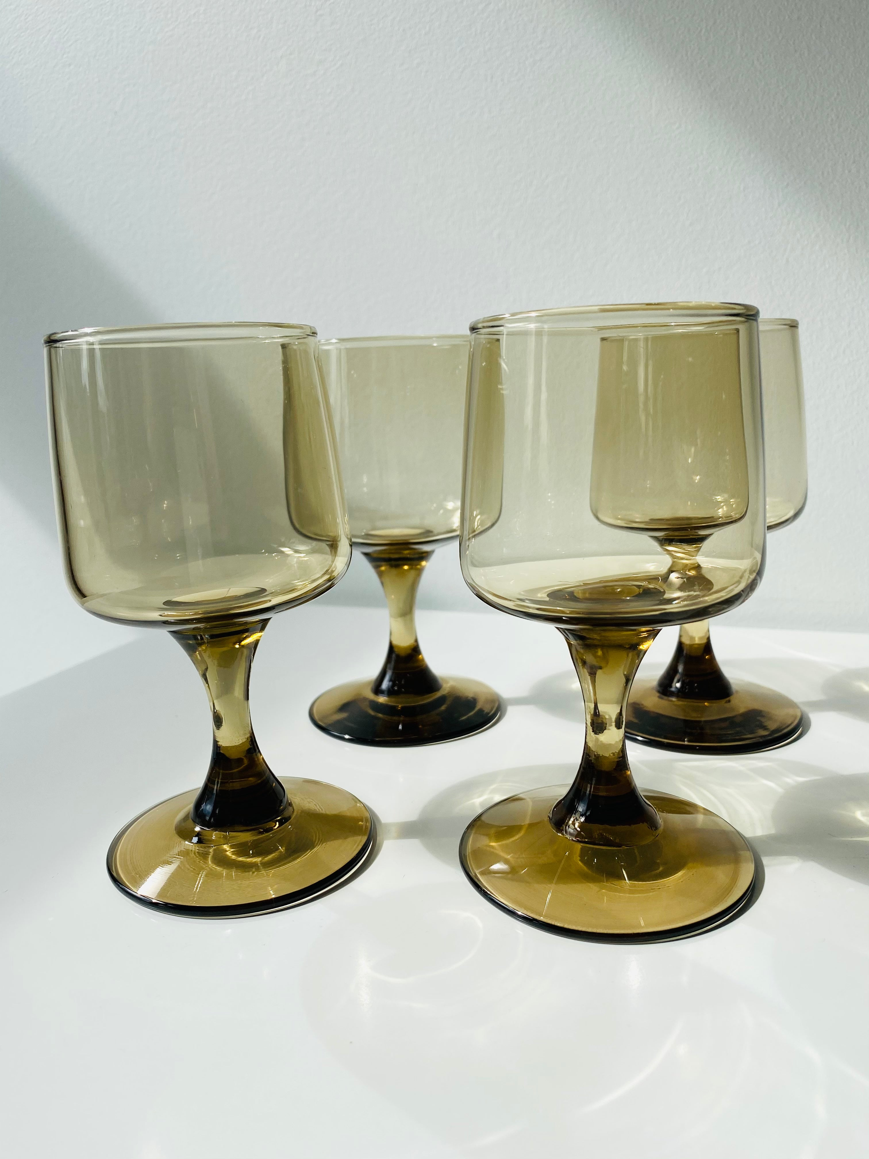 Set of 4 SMALL Libbey smokey wine glasses in Tawny