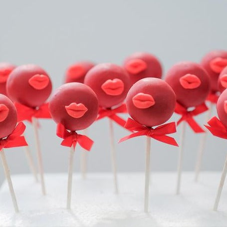 Red Lip Cakepop