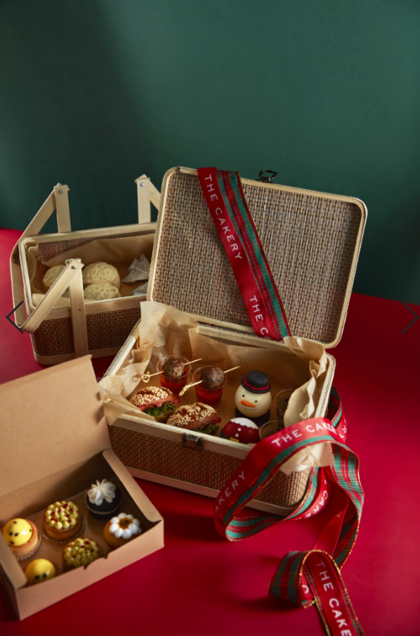 Take Away: Christmas Vegan Afteroon Tea Set Basket