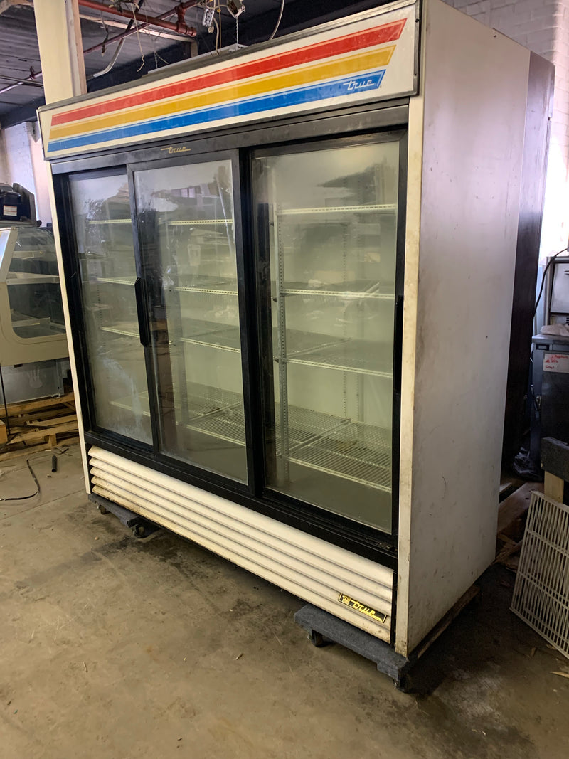 TRUE GDM-69 3 DOOR GLASS REFRIGERATOR MERCHANDISER USED
