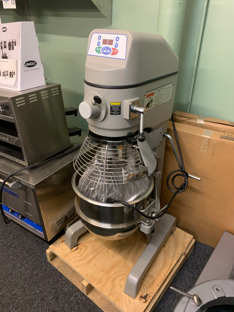 GLOBE SP30 30QT MIXER SCRATCH AND DENT