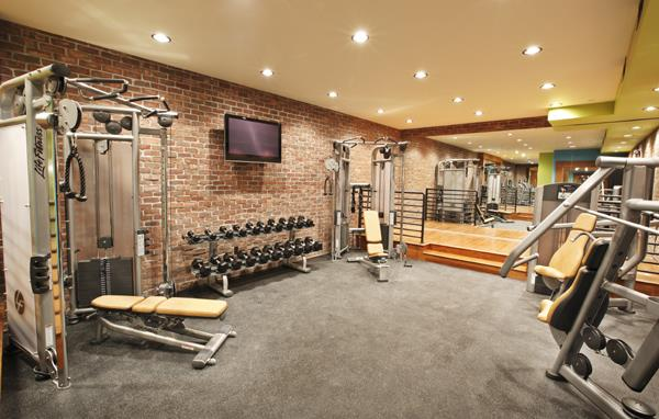 White Buffalo Club Hotel, Gym, Restaurant