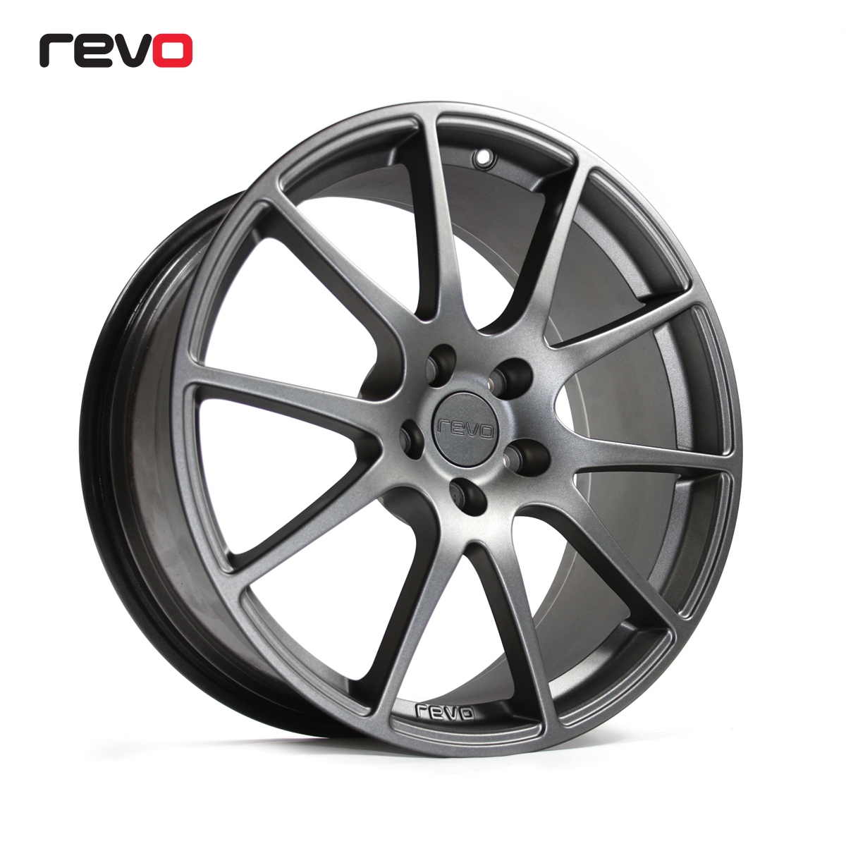 Revo RV018 Wheelset 18 x 8, 4 x 108, ET40, 64.3mm CB