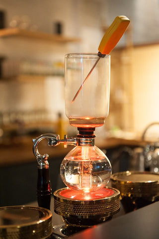 Digital thermometer in siphon