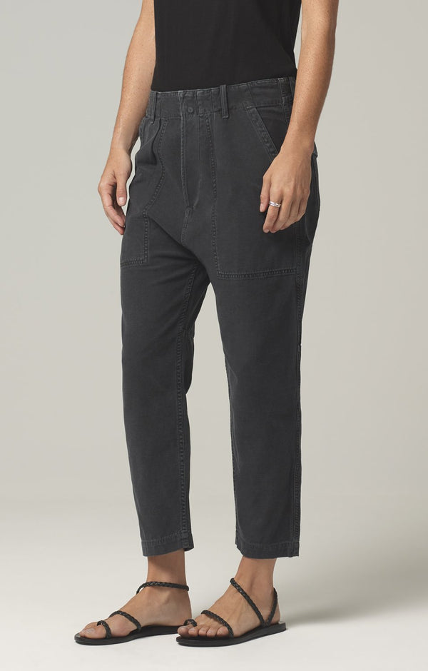 harrison tapered pant washed black side