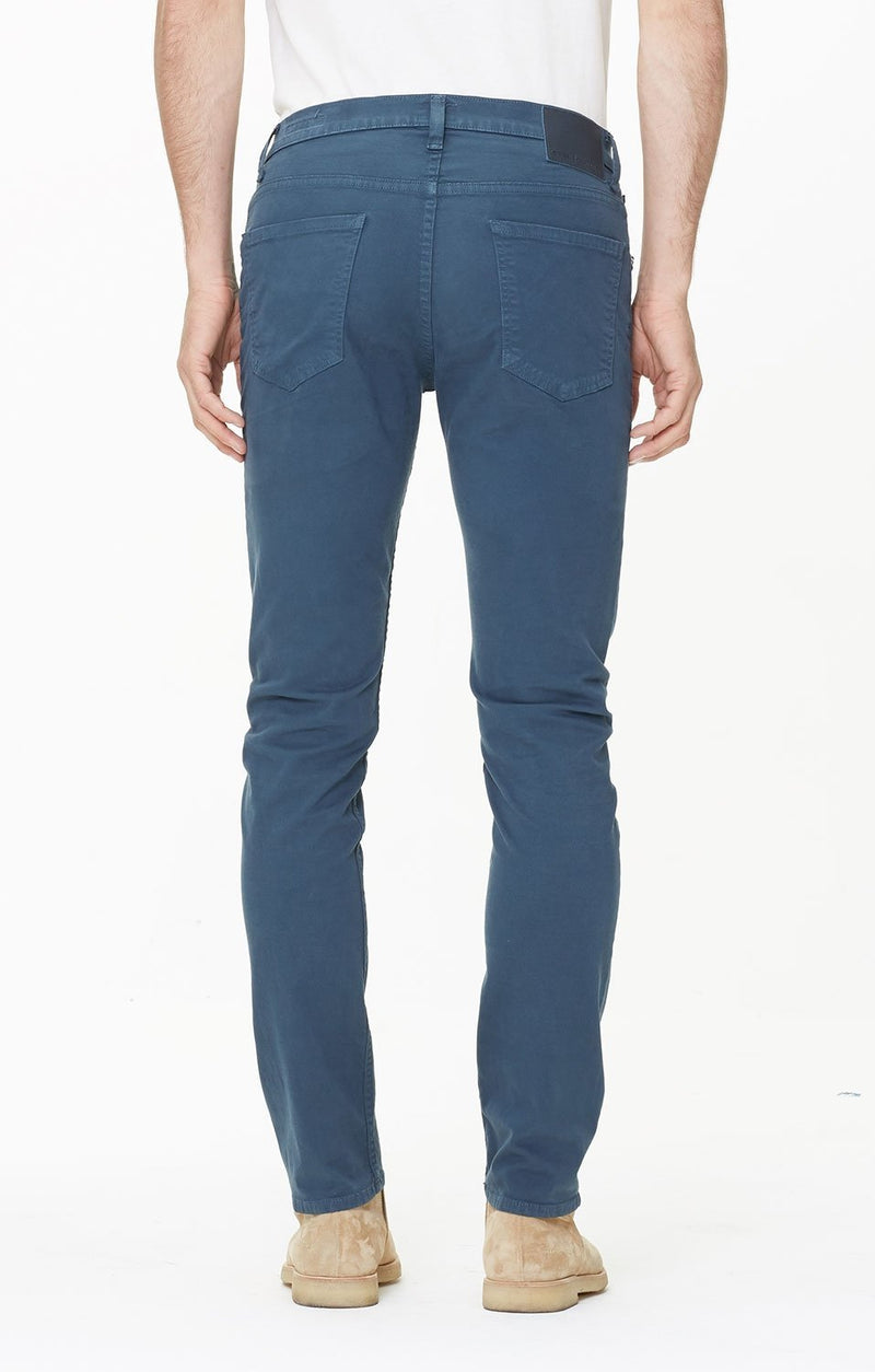 bowery standard slim fit deep dive detail