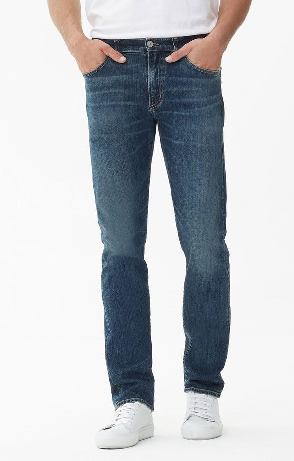 Bowery Standard Slim Fit Denim in Vega