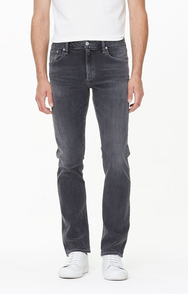 Gage Classic Straight Fit Perform Denim in Avenger