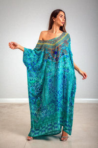 Buy Inoa Box Kaftan in Atlantis online now at Smoke and Mirrors Boutique. Inoa Stockists. Inoa online stockists. Buy Inoa with ZipPay. Buy Inoa with AfterPay. Shop Inoa Silk Kaftans.