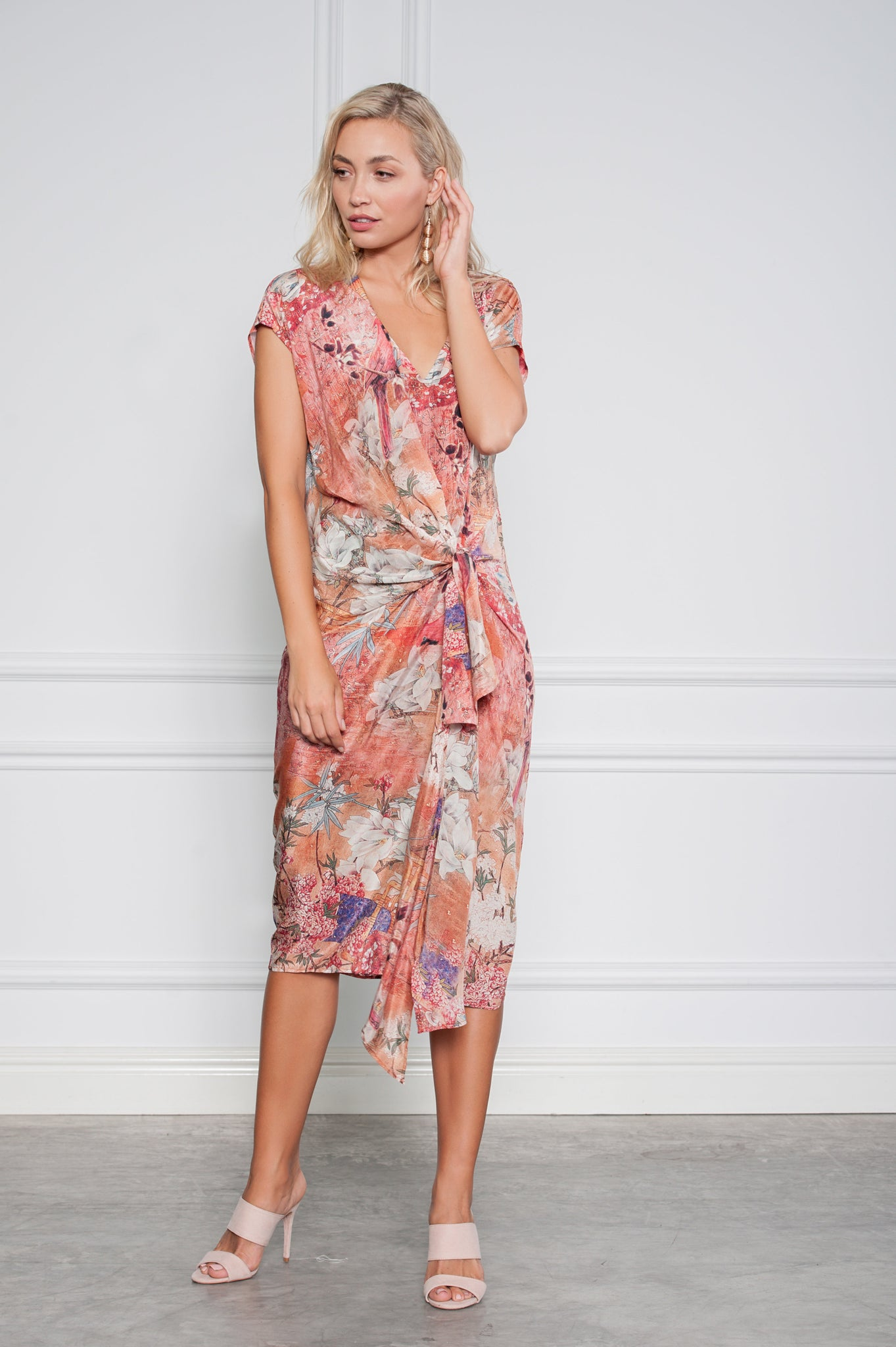 Buy Kamare Collective Dolly Dress now at Smoke and Mirrors Boutique. Buy Kamare Dolly Dress with ZipPay. Buy Kamare Dolly Dress with AfterPay. Buy Kamare with Free Shipping.
