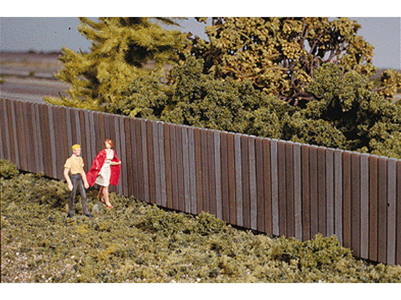"933-3521 HO Wood Fence - Kit -- Three 15"" 37.5cm Sections - Total Length 45"" 112.5cm - 1"" Tall"