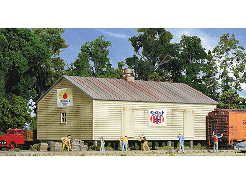 "933-3529 HO Storage Shed on Pilings -- Kit - 4-1/2 x 7 x 3-1/2"" 11.4 x 8.9cm"