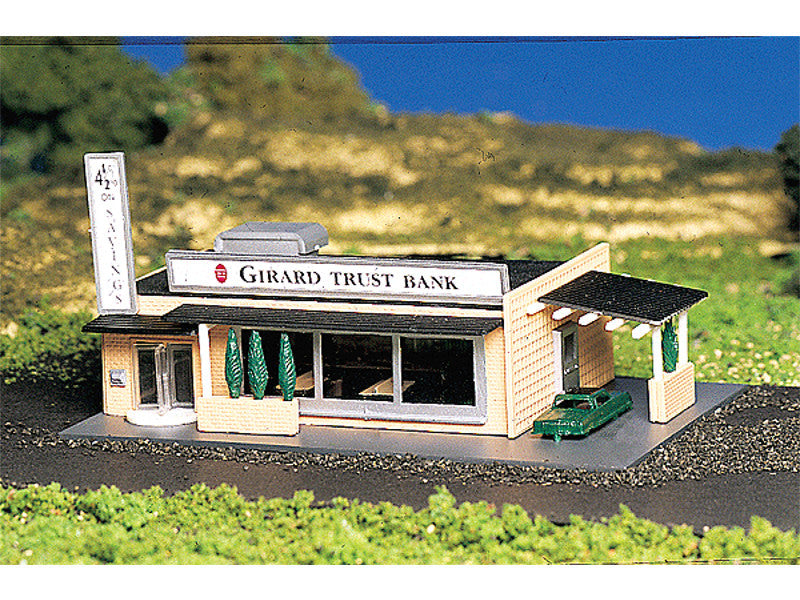 "bac45804 N Drive-In Bank w/Figures (Assembled) -- 3 x 4-3/4"" 7.7 x 12.1cm"