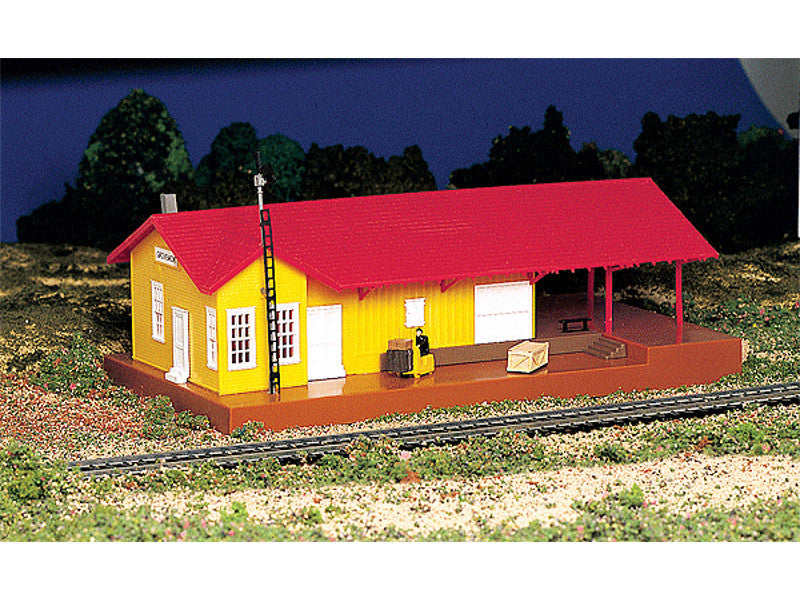 "bac46216 HO Operating Accessories - Freighthouse w/Light - Assembled -- 5-1/2 x 9-1/2"" 14 x 24.1cm"