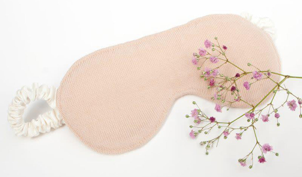 Organic Silk Eyemask - Perfect Gifts For Mum - MAMOQ