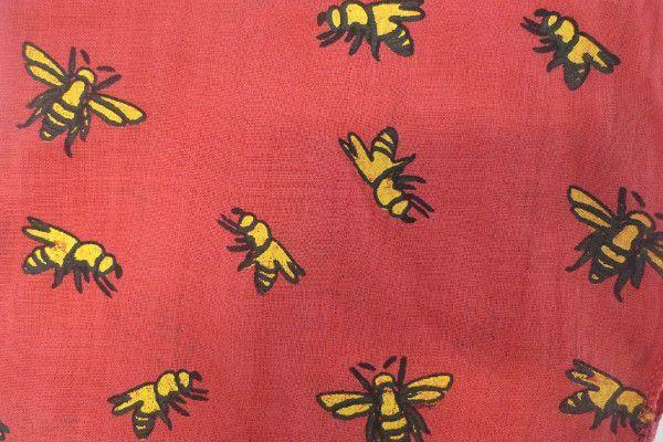 Bee Scarf Red-Where Does It Come From?-MAMOQ