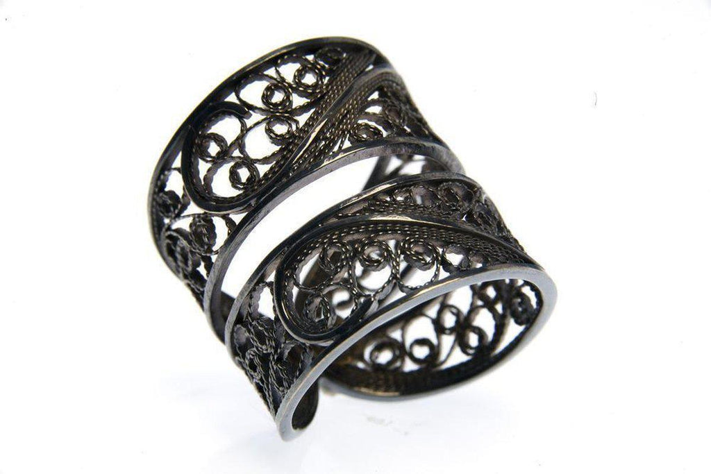 Black Filigree Links Ring-Arabel Lebrusan-MAMOQ