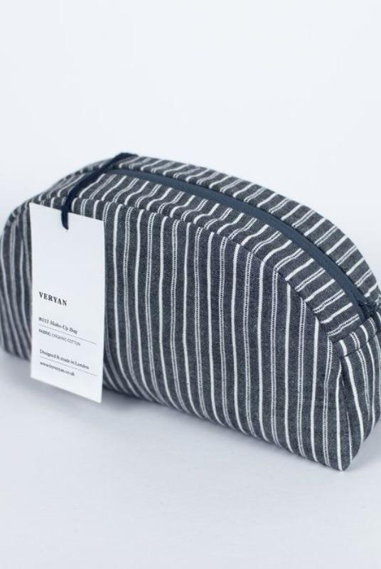 Black Make-up Bag-Veryan-MAMOQ