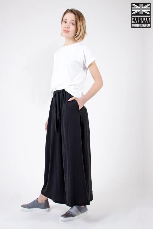 Black Organic Cotton Wide Leg Culottes-Zola Amour-MAMOQ