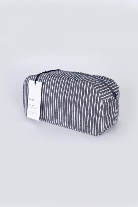 Black Travel Bag-Veryan-MAMOQ