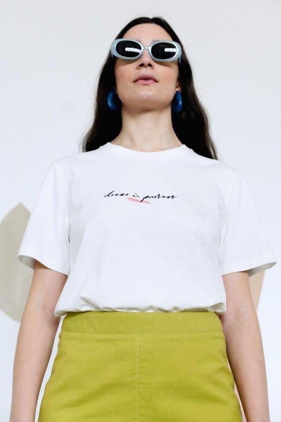 Dress in Protest Embroidered White Organic Cotton T-Shirt-Birdsong-MAMOQ