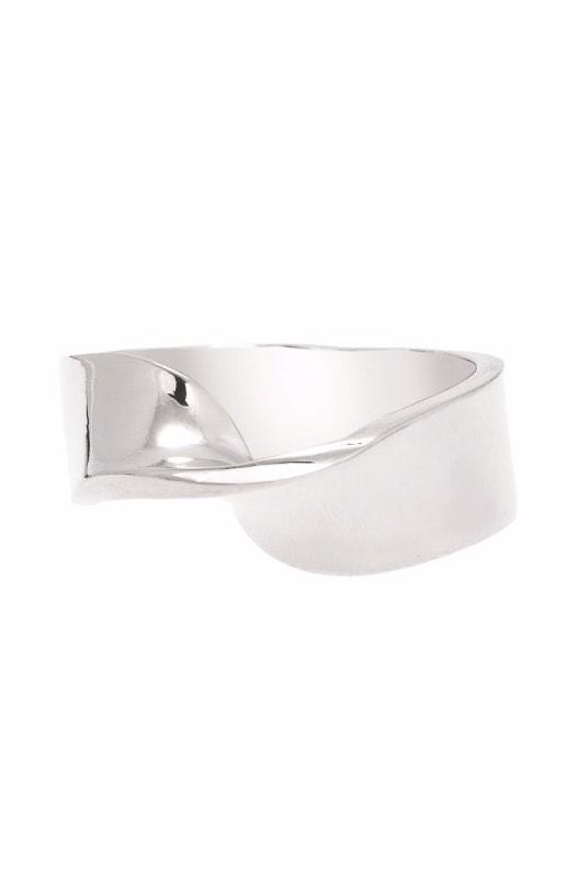 Loka Single Twist Silver Ring-ANUKA Jewellery-MAMOQ