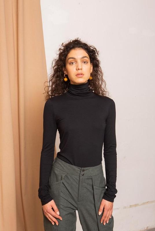 Pier Black Turtleneck Shirt-TAUKO-MAMOQ