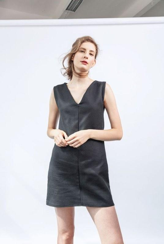 Sleeveless Structure Black Organic Cotton V-Neck Dress-ADVA-MAMOQ