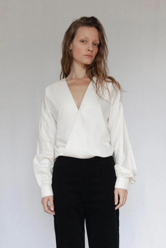 """The V"" Ivory Sateen Organic Cotton Blouse-Vanesa Vinhas-MAMOQ"