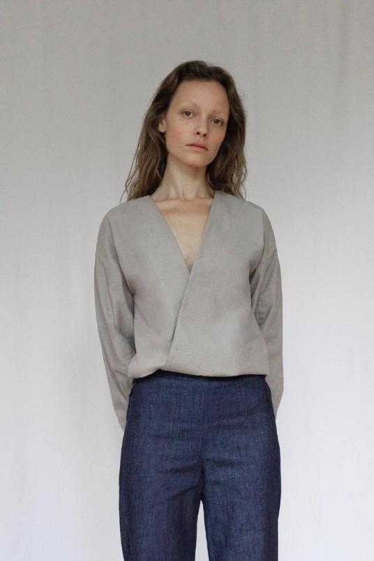 """The V"" Pyrite Chambray Organic Cotton Blouse-Vanesa Vinhas-MAMOQ"